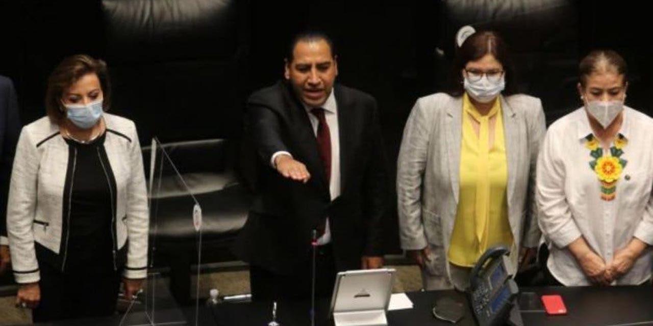 Eduardo Ramírez Aguilar rinde protesta como presidente de la mesa directiva del Senado | El Imparcial de Oaxaca