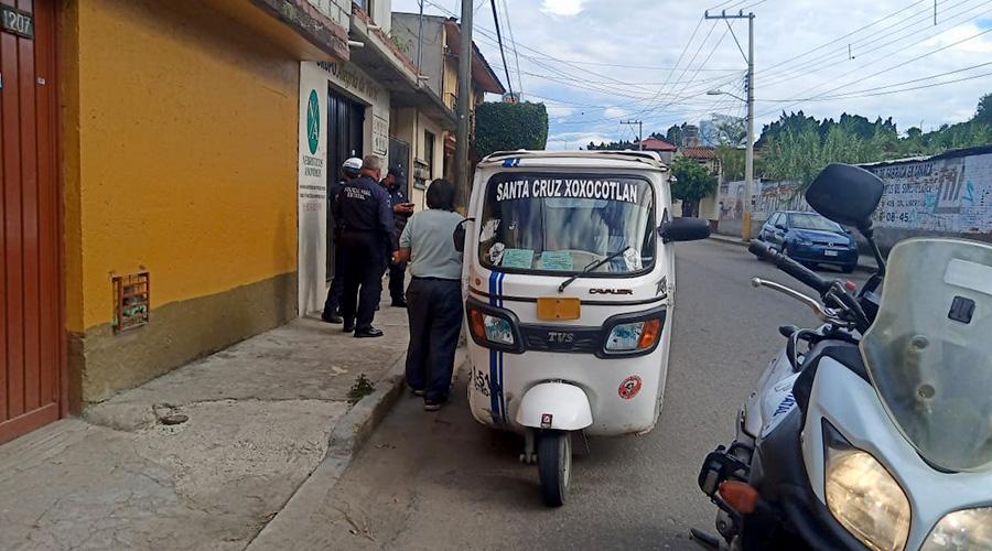 Mototaxi transitaba por la ciudad sin permiso; lo agarran | El Imparcial de Oaxaca