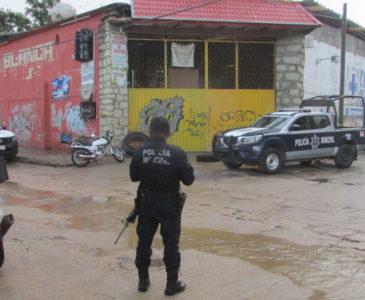 Sangriento asalto a tienda de materiales en San Martín Mexicápam
