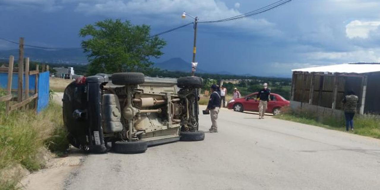 Volcadura en carretera al CRIT   El Imparcial de Oaxaca
