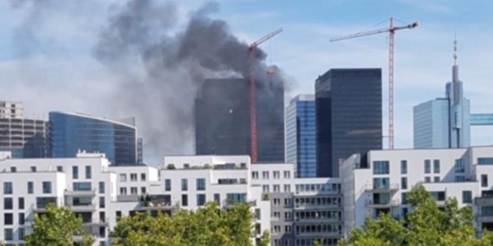 Incendio en torre World Trade Center de Bruselas en Bélgica | El Imparcial de Oaxaca