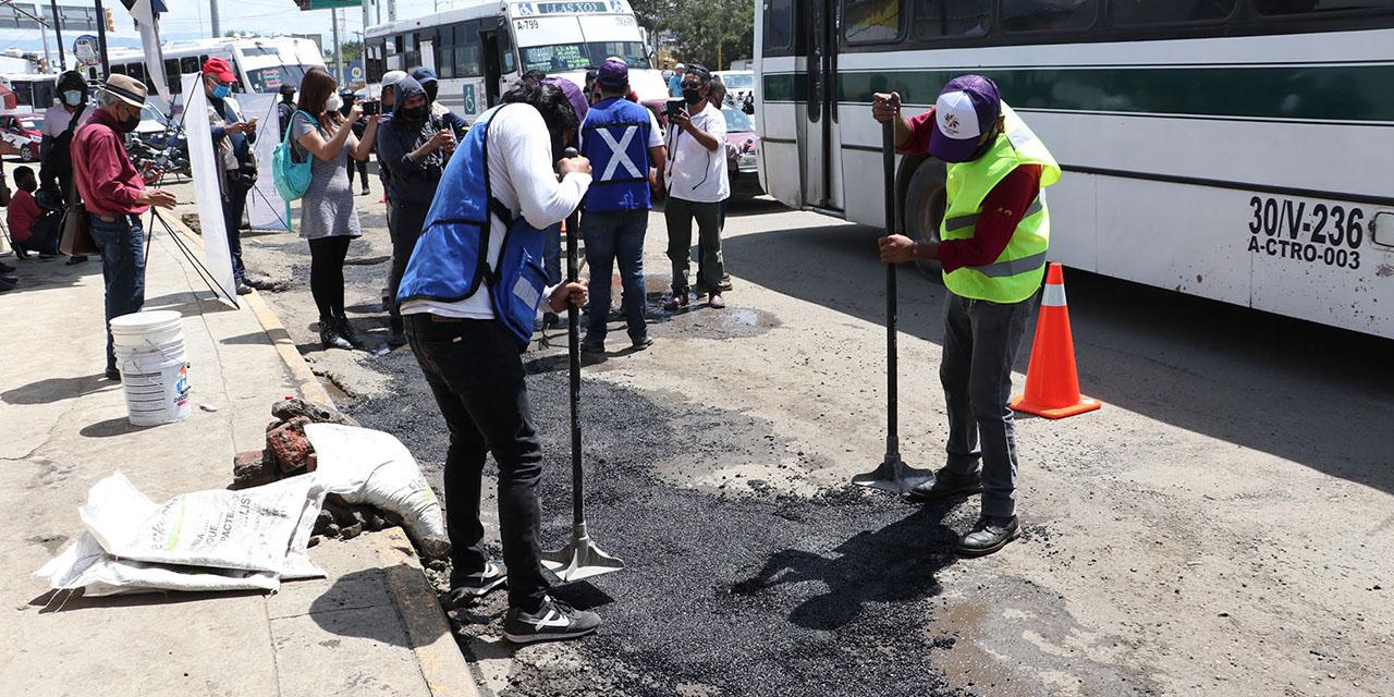Bacheo ciudadano continúa pese a multas del Ayuntamiento   El Imparcial de Oaxaca