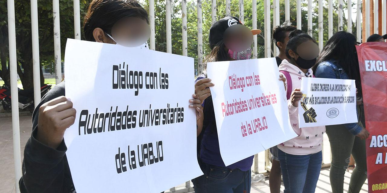 Lugares en la UABJO se venden hasta por 180 mil pesos | El Imparcial de Oaxaca