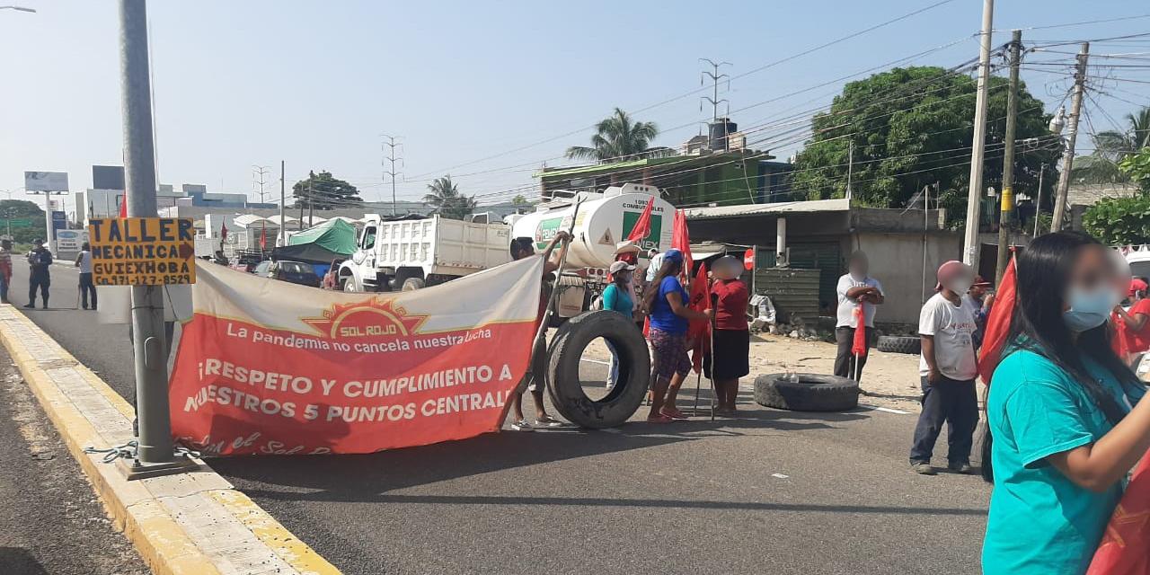 Sol Rojo cierra carreteras del Istmo y Oaxaca   El Imparcial de Oaxaca