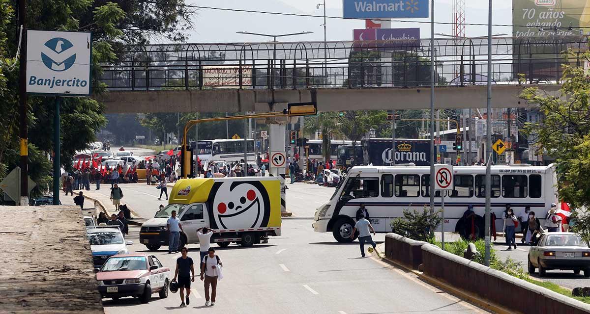 Marchan en Oaxaca para exigir justicia en caso Ayotzinapa | El Imparcial de Oaxaca