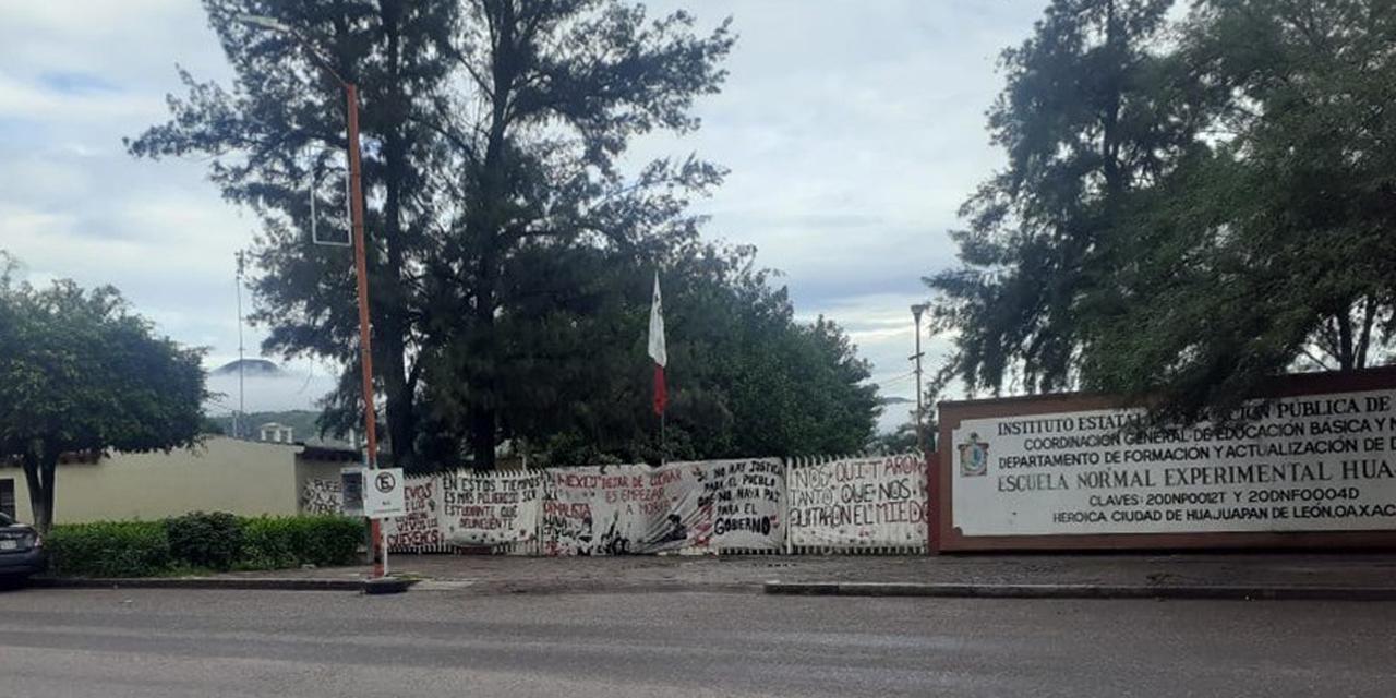 Protestan normalistas de la Mixteca en Huajuapan y Coixtlahuaca   El Imparcial de Oaxaca