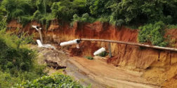 Vuelve a colapsar drenaje de Puerto Escondido