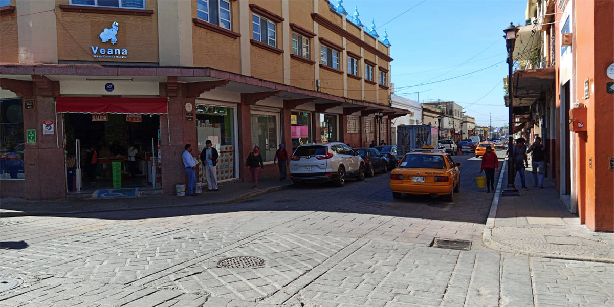 """La capital mantiene su """"miércoles sin ambulantes""""   El Imparcial de Oaxaca"""