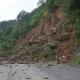 Derrumbe provoca cierre en carretera a Huautla de Jiménez