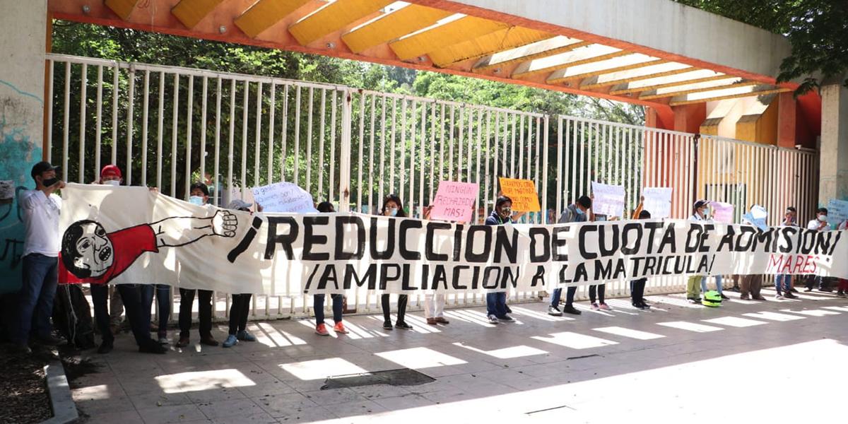Exigen frenar altas cuotas en escuelas de la UABJO   El Imparcial de Oaxaca
