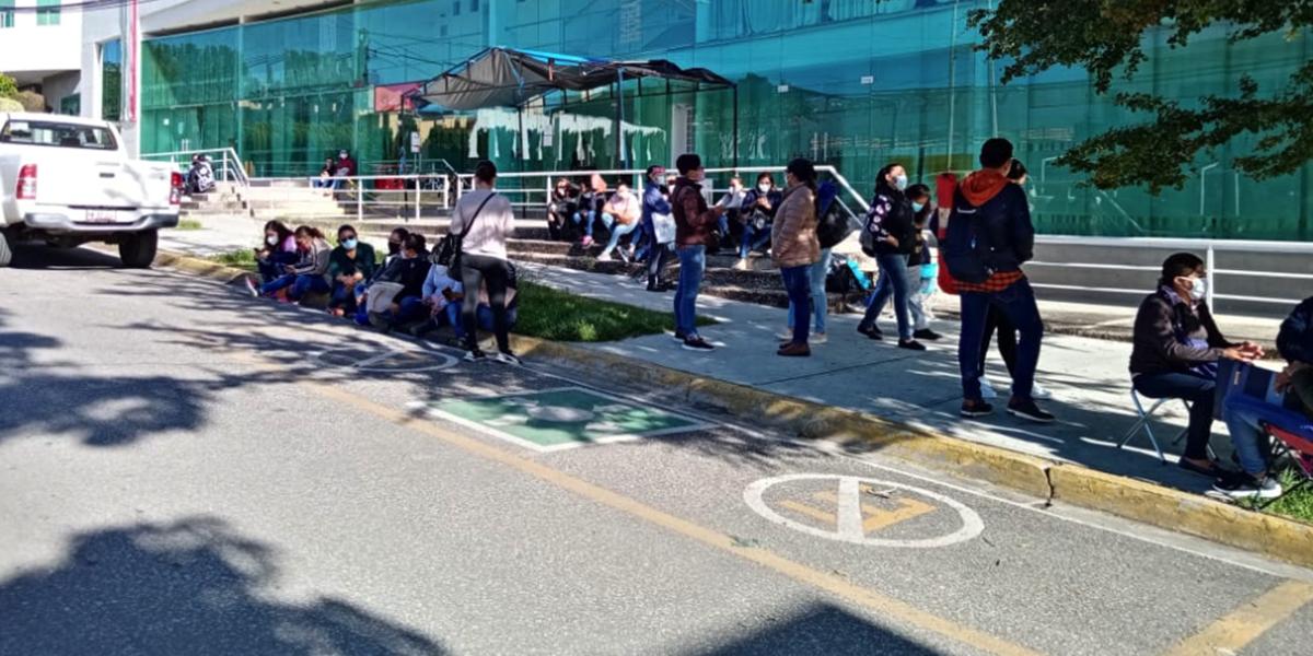 Sindicalizados de Salud protestan para exigir bono Covid | El Imparcial de Oaxaca
