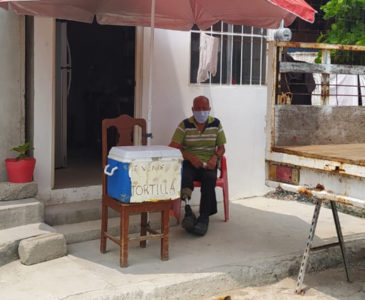 Estafan a tortillero en Juchitán