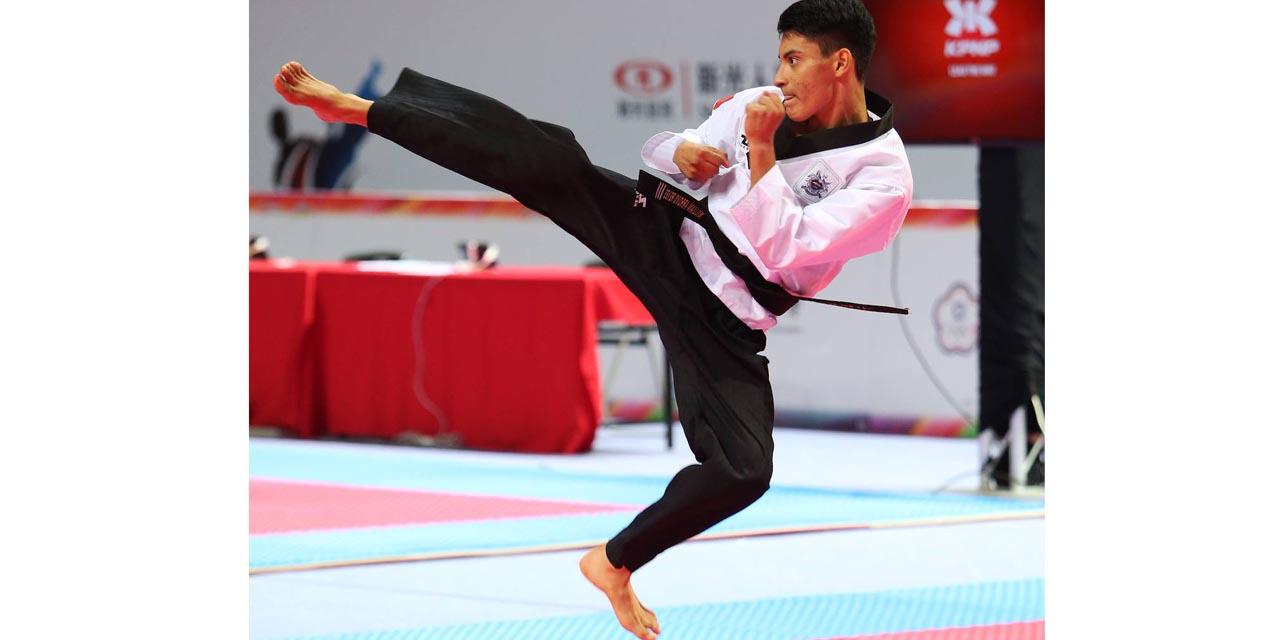 Tiran patadas en línea los taekwondoínes oaxaqueños | El Imparcial de Oaxaca