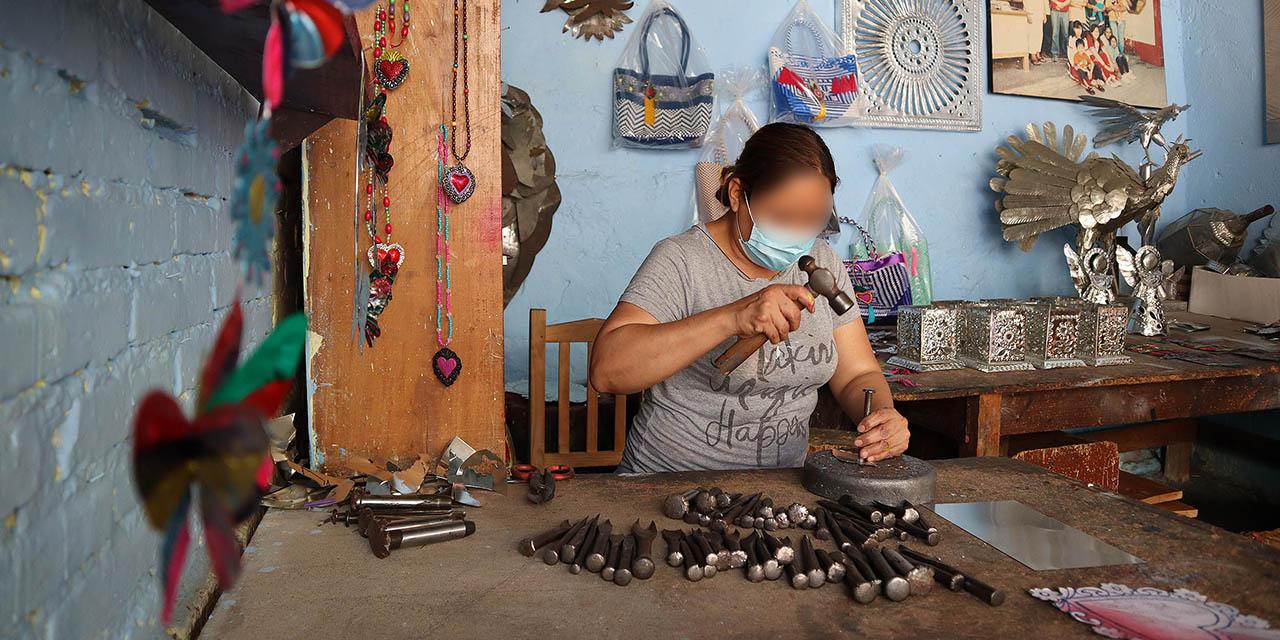 Cinco generaciones de artesanos de lámina en el Barrio de Xochimilco   El Imparcial de Oaxaca