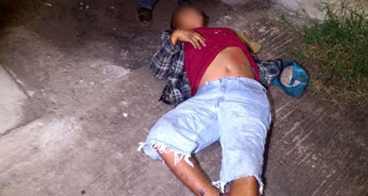 Lo asesinan de una cuchillada por pelear un trago de mezcal   El Imparcial de Oaxaca