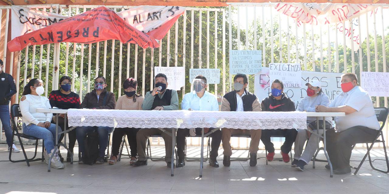 Reclama STEUABJO olvido de pago a empleados eventuales   El Imparcial de Oaxaca