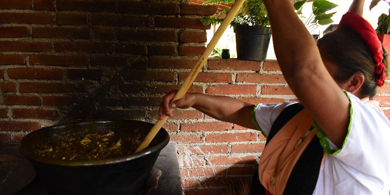 Guisos y olores para recibir a los muertos en Oaxaca