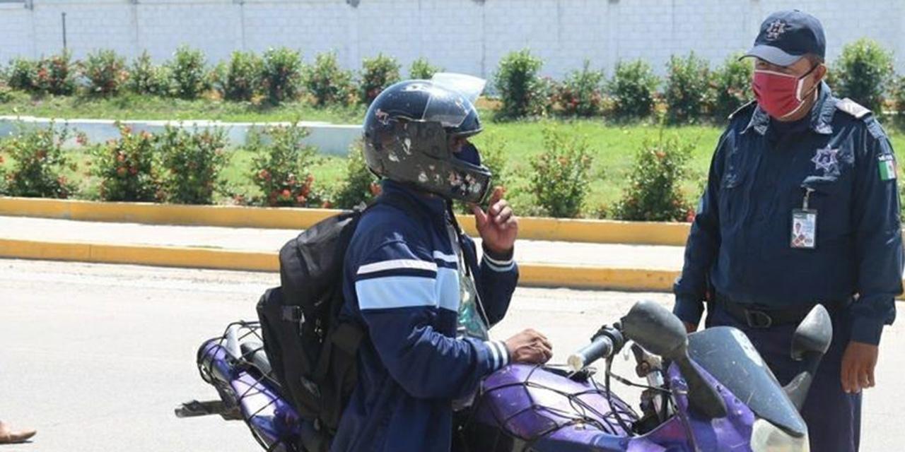 Exhortan a motociclistas de Salina Cruz a utilizar casco protector | El Imparcial de Oaxaca