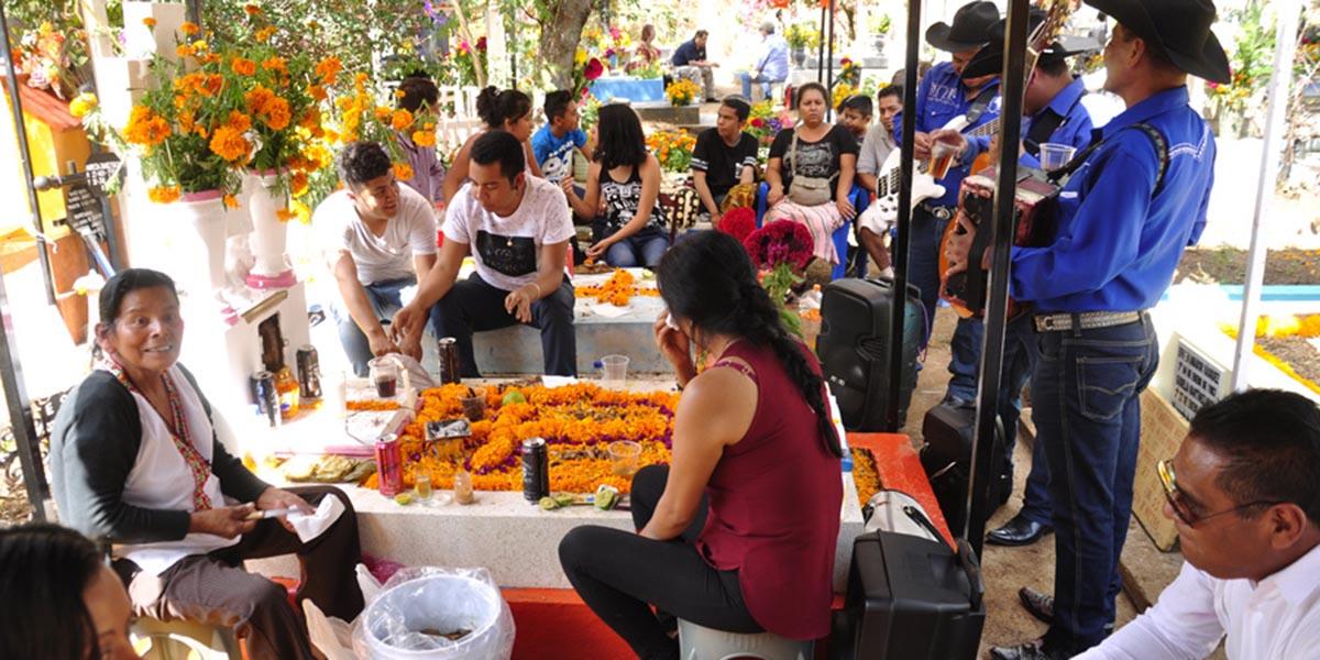 Llaman a municipios a cancelar eventos públicos por Día de Muertos | El Imparcial de Oaxaca