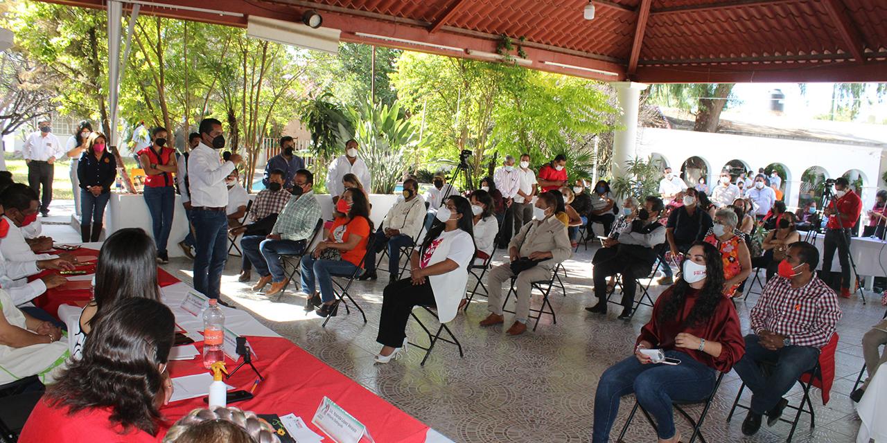 Reconocen a priistas destacados en la Mixteca