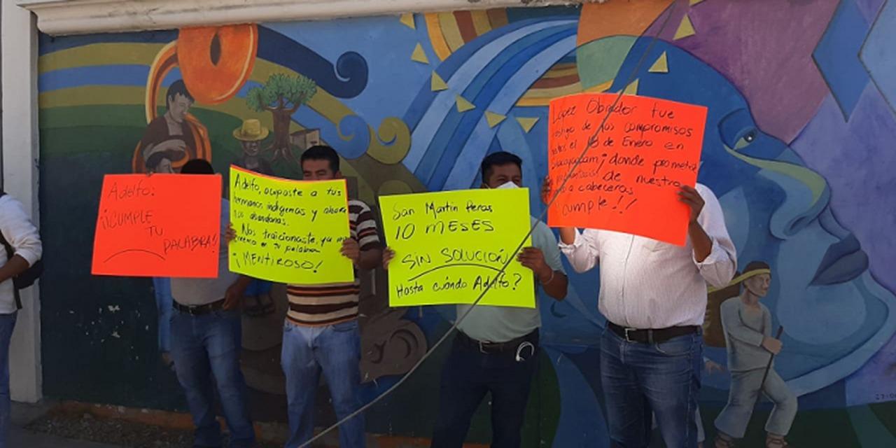 Protestan autoridades de la Mixteca y Cuenca ante el INPI