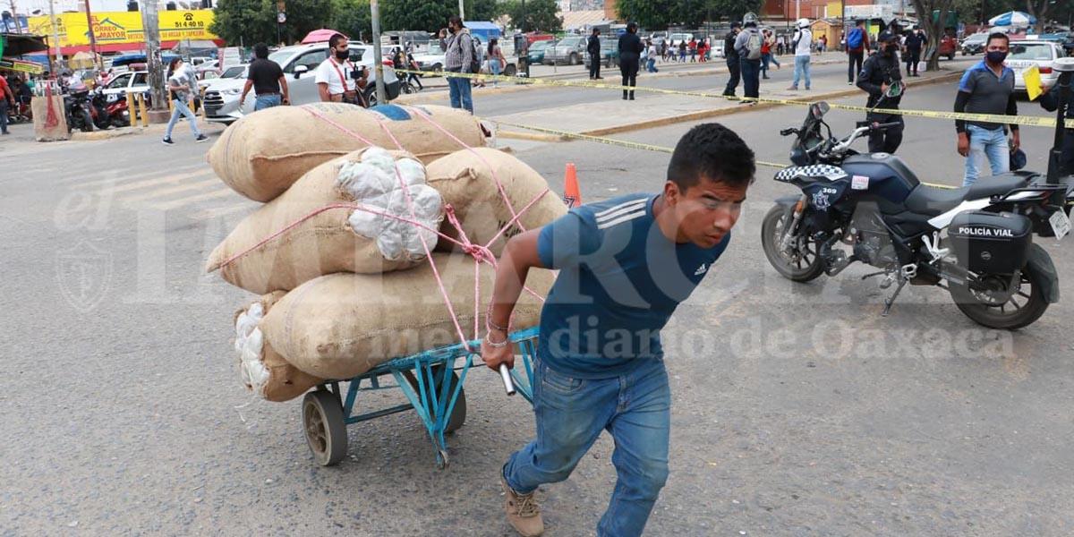 """Realizan compras de """"muertos"""" en la Central"""