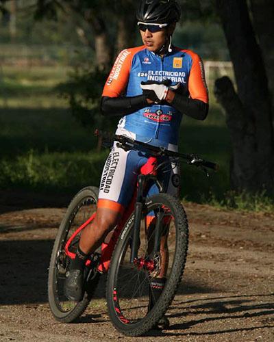 Se alza Jonathan Reyes con la victoria del ciclismo de montaña | El Imparcial de Oaxaca