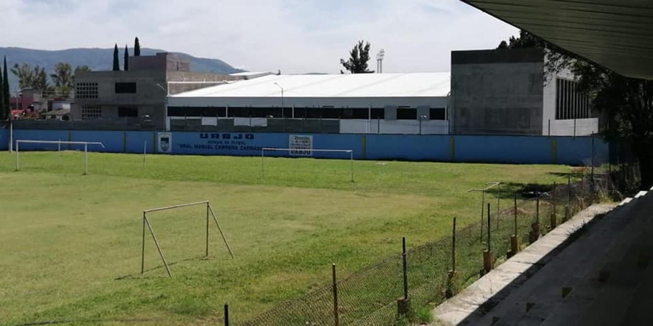 Estadio Manuel Cabrera Carrasquedo se renueva durante pandemia | El Imparcial de Oaxaca