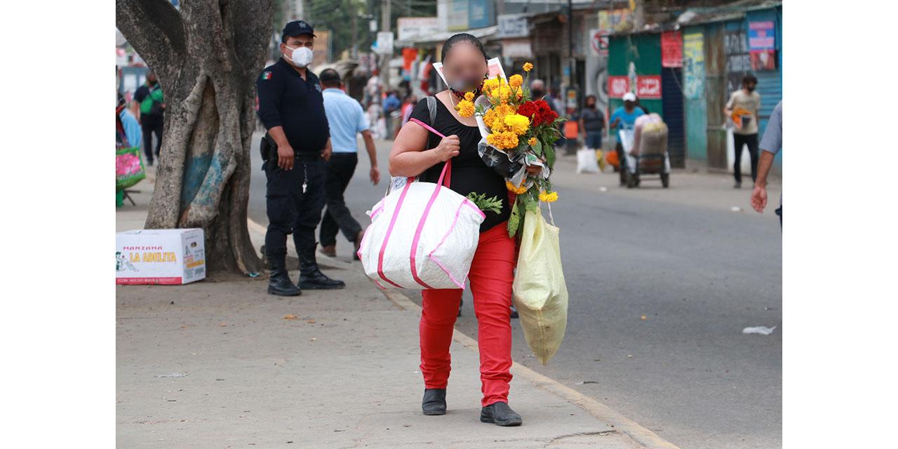 Restringen accesos a la Central y camposantos por Covid-19 en Oaxaca
