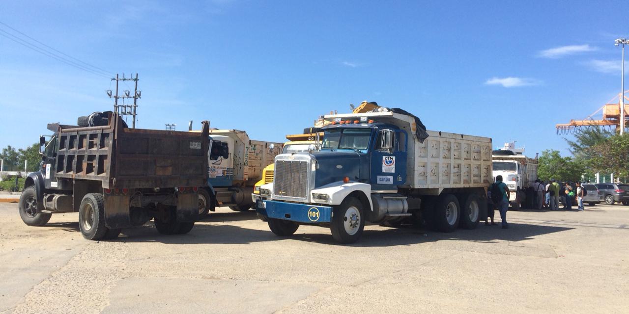 161 camiones materialistas trabajarán en el rompeolas de Salina Cruz | El Imparcial de Oaxaca