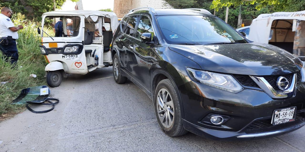 Ebrio mototaxista se impacta con camioneta en Juchitán | El Imparcial de Oaxaca
