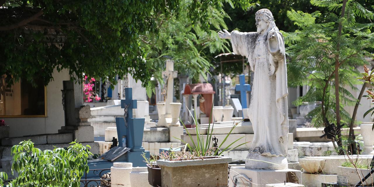 Cierran panteones para Día de Muertos | El Imparcial de Oaxaca