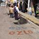 Fuga de agua y bacheo generan cierre de la calle Las Casas