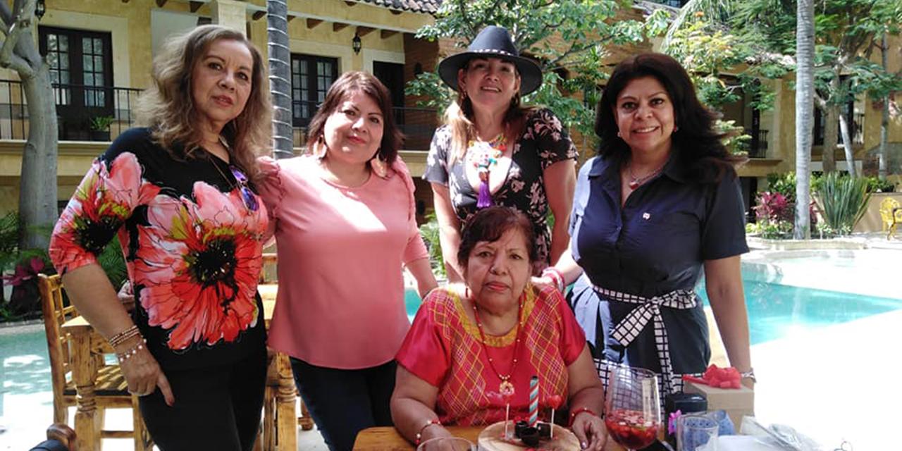 Buenos deseos para Maggy Gómez | El Imparcial de Oaxaca