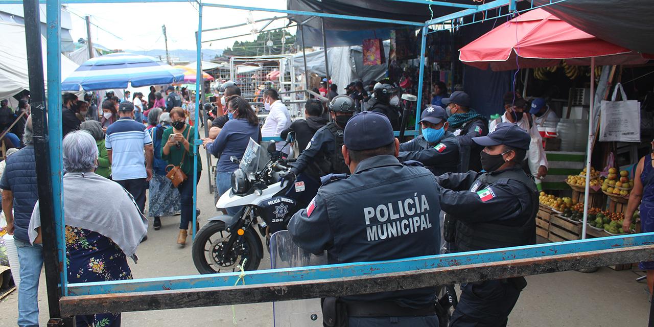 Conflicto en la Central de Abasto por cancelación de plaza de Día de Muertos