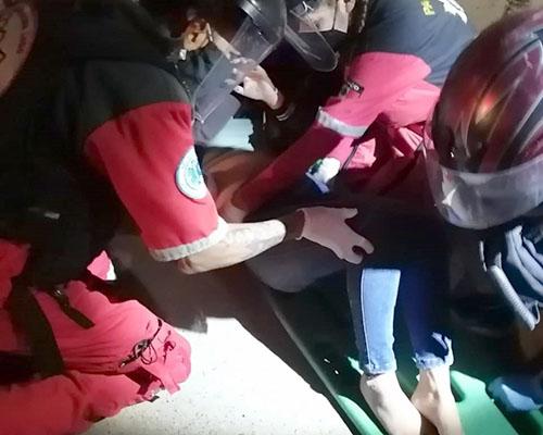 No logra ver el tope y azota de su moto | El Imparcial de Oaxaca