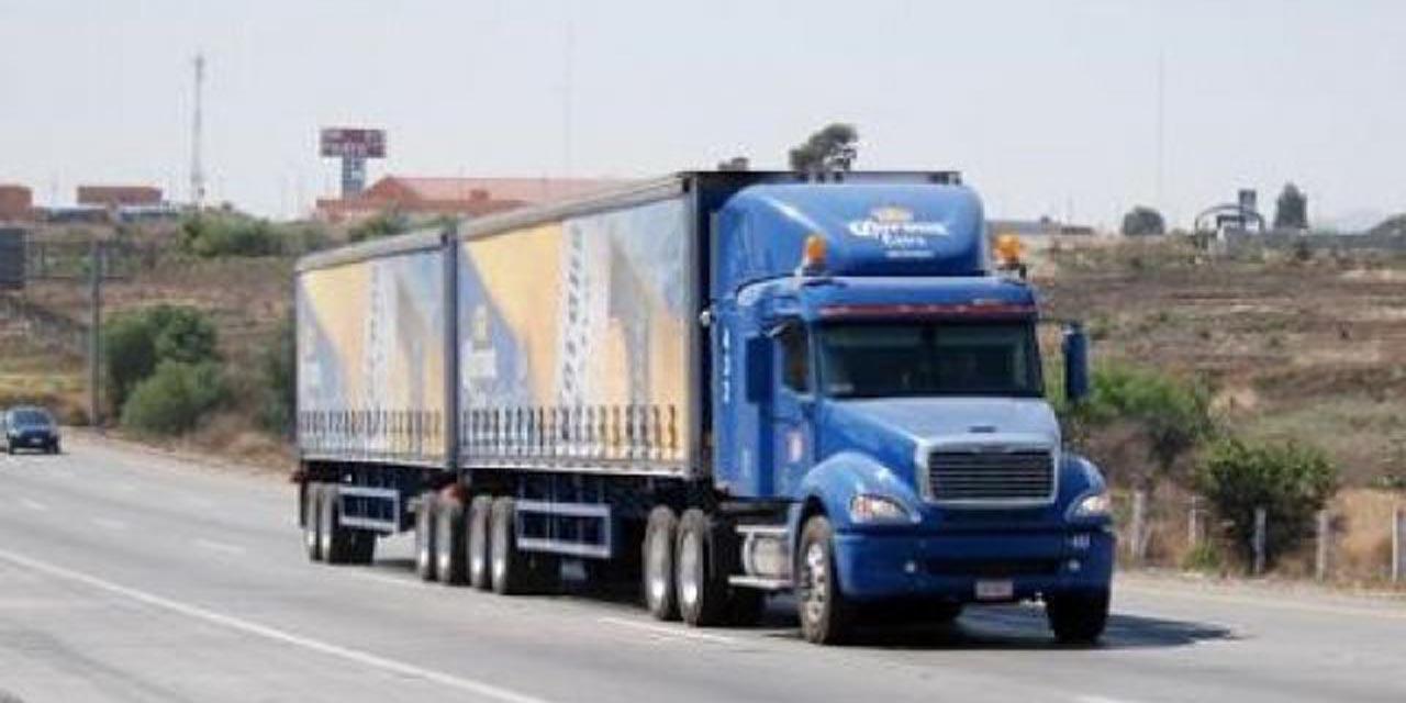 Camiones doble remolque operan en la impunidad | El Imparcial de Oaxaca