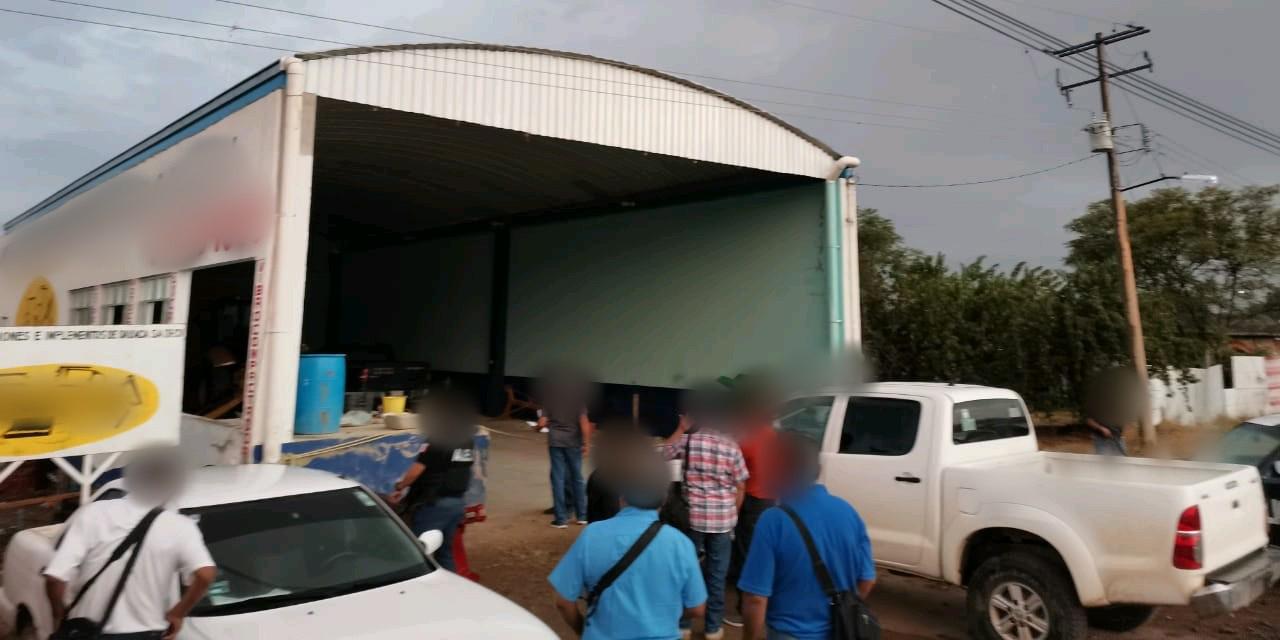 Hallan retroexcavadora robada en San Dionisio Ocotlán