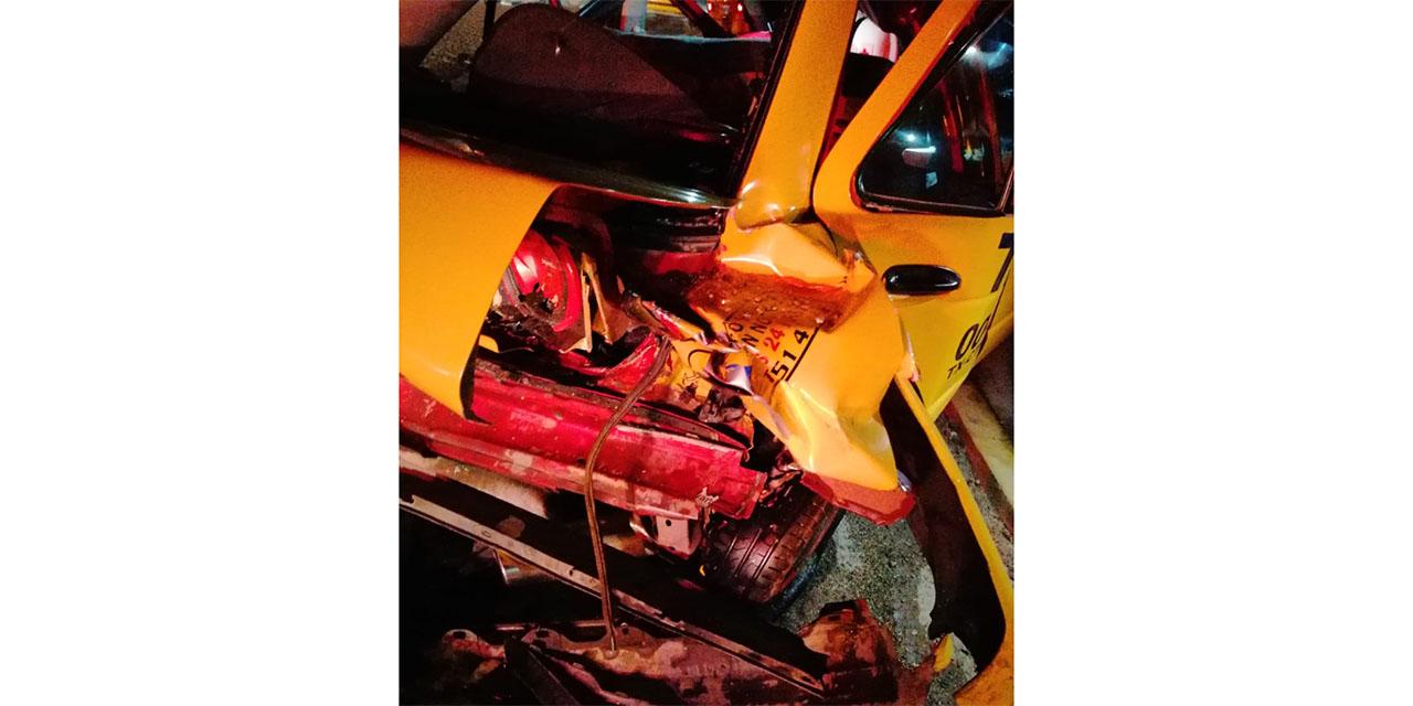 Aparatoso accidente en Santa Rosa deja dos lesionados