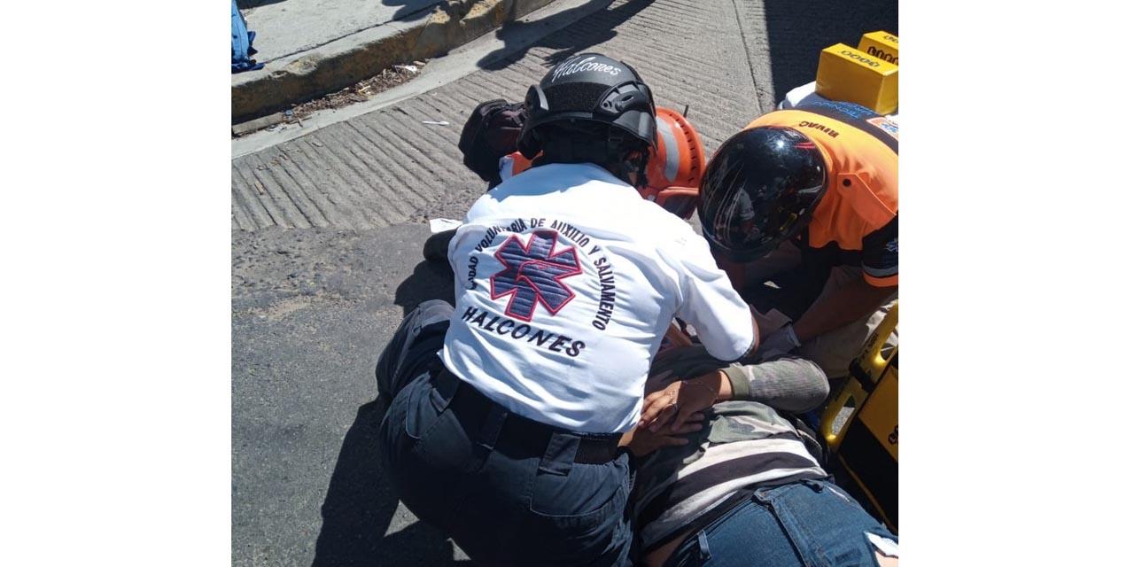 Arrollan a dos motociclistas en el Columpio de Ixcotel | El Imparcial de Oaxaca