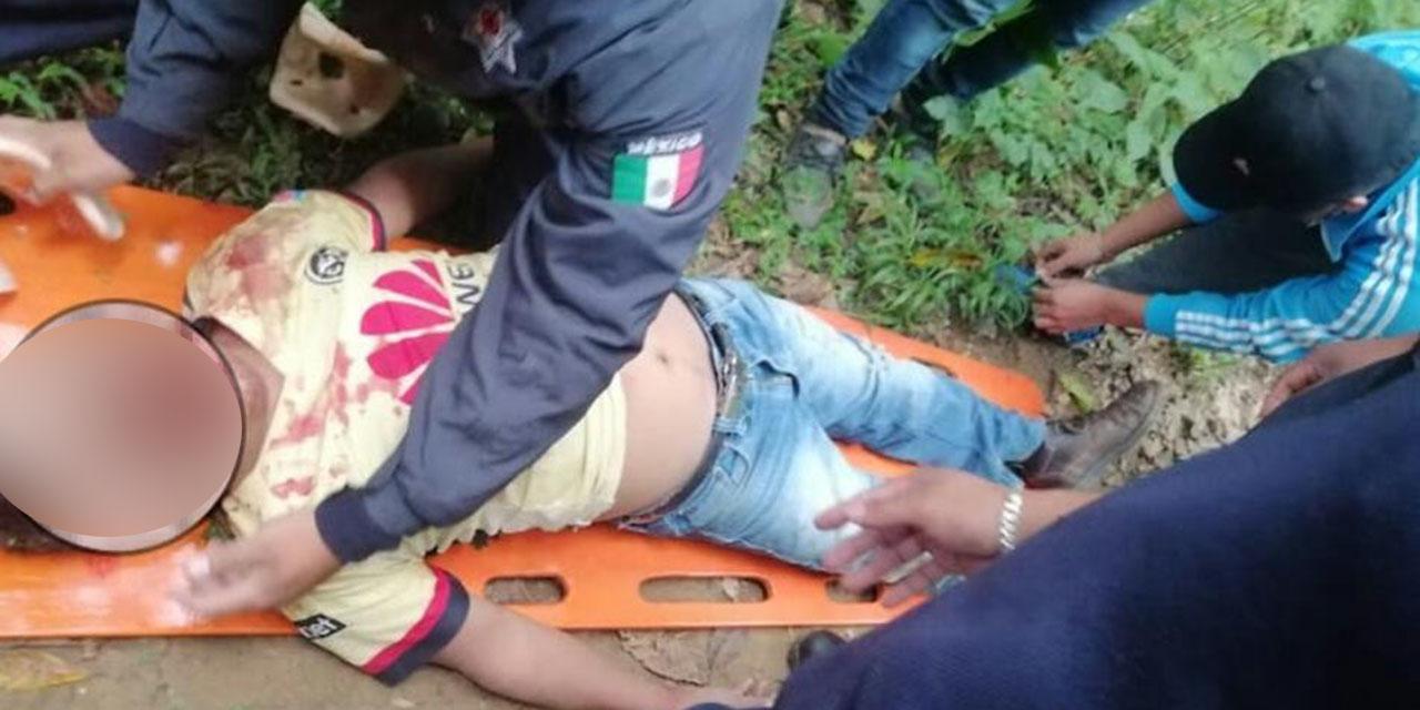 Taxi cae a hondonada de más de 100 metros en Huautla | El Imparcial de Oaxaca