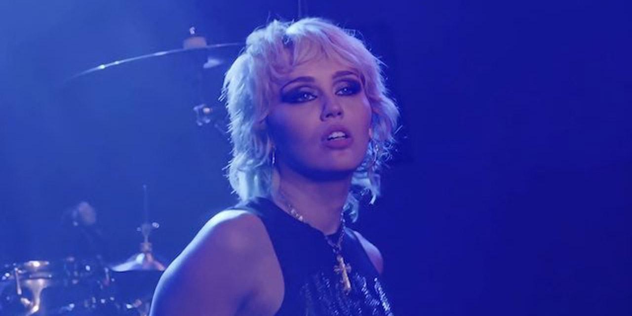 """Video: Sorprende Miley Cyrus al interpretar """"Zombie"""" de The Cranberries   El Imparcial de Oaxaca"""