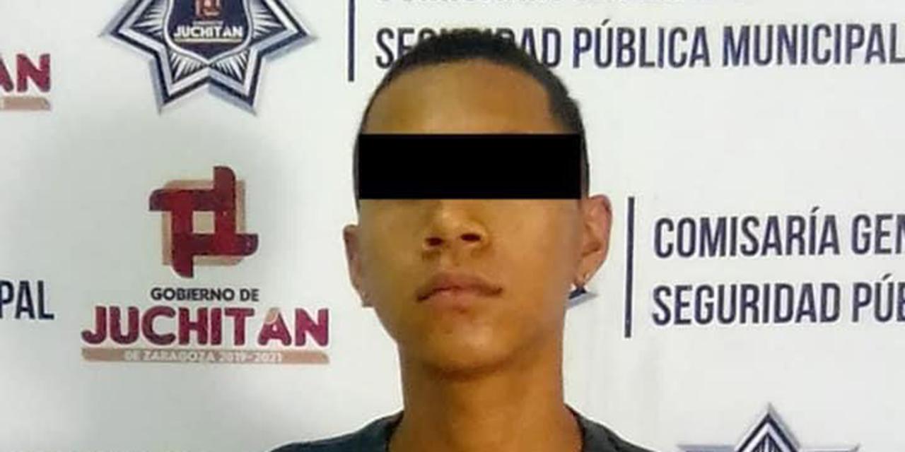 Detienen a un hombre con motocicleta robada en Juchitán