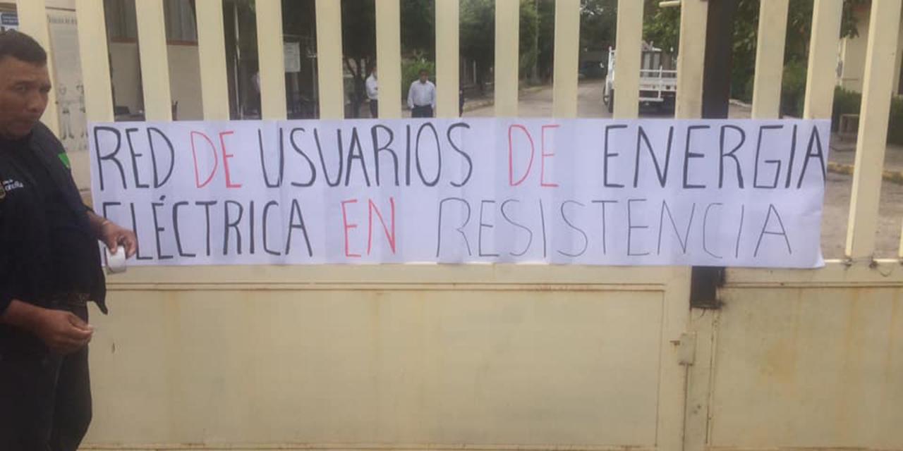 Toman instalaciones de CFE en Juchitán