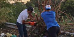 Ciclistas limpian carretera Juchitán-El Espinal
