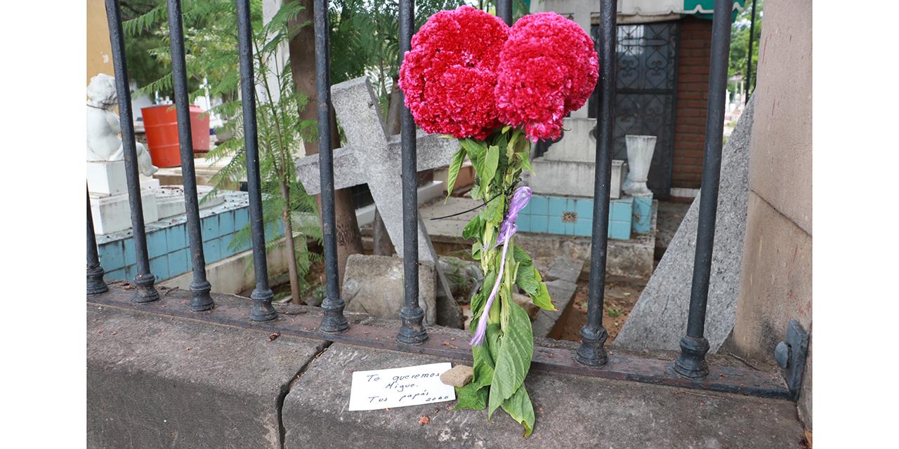 Triste Día de Muertos en la capital oaxaqueña