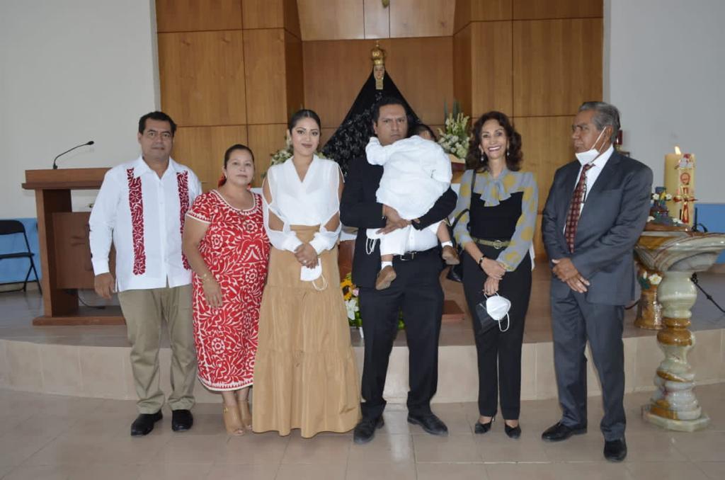Recibe las aguas bautismales | El Imparcial de Oaxaca