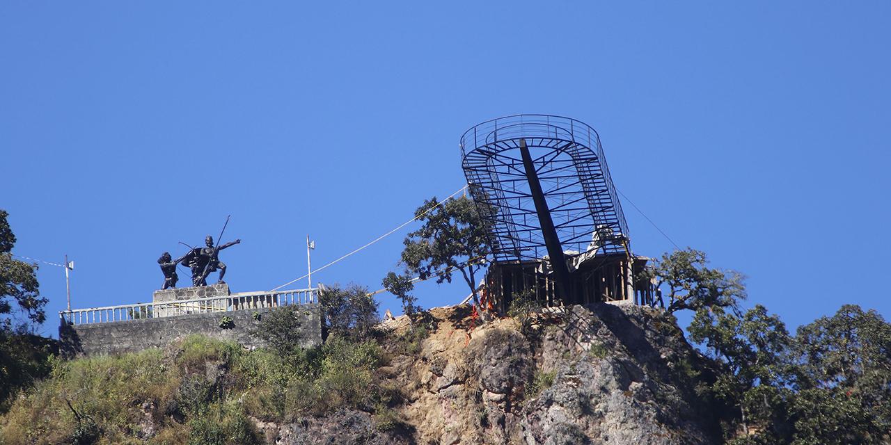 Mirador en el cielo de Ixtlán de Juárez; uno de los más grandes de Latinoamérica
