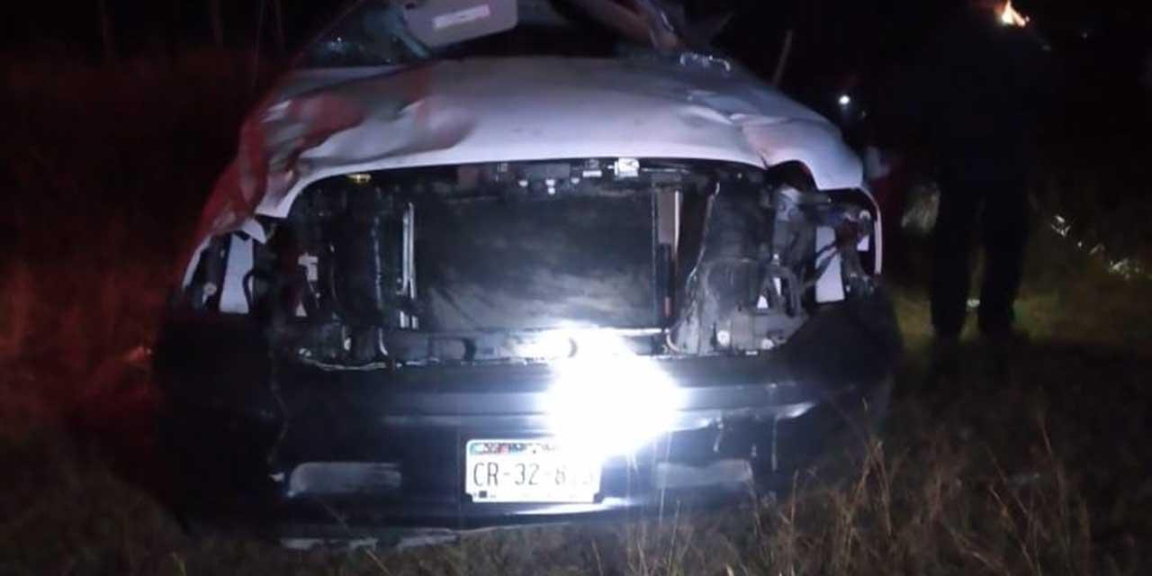 Se accidentan funcionarios de Profepa en carretera federal 175