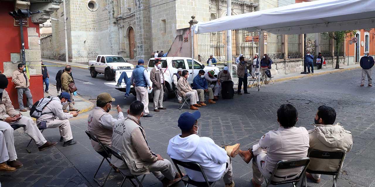 Trabajadores de SSO retiran plantón del centro de Oaxaca | El Imparcial de Oaxaca